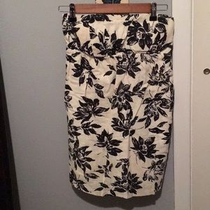 Forever 21-Black & Cream colored strapless dress